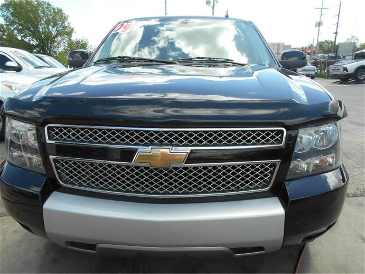 Large Picture of '09 Chevrolet Tahoe located in Olathe Kansas Offered by All American Auto Mart Inc - L726