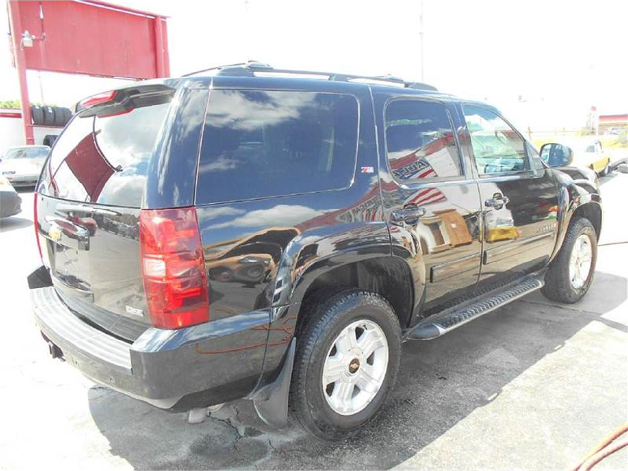 Large Picture of '09 Tahoe located in Kansas Offered by All American Auto Mart Inc - L726
