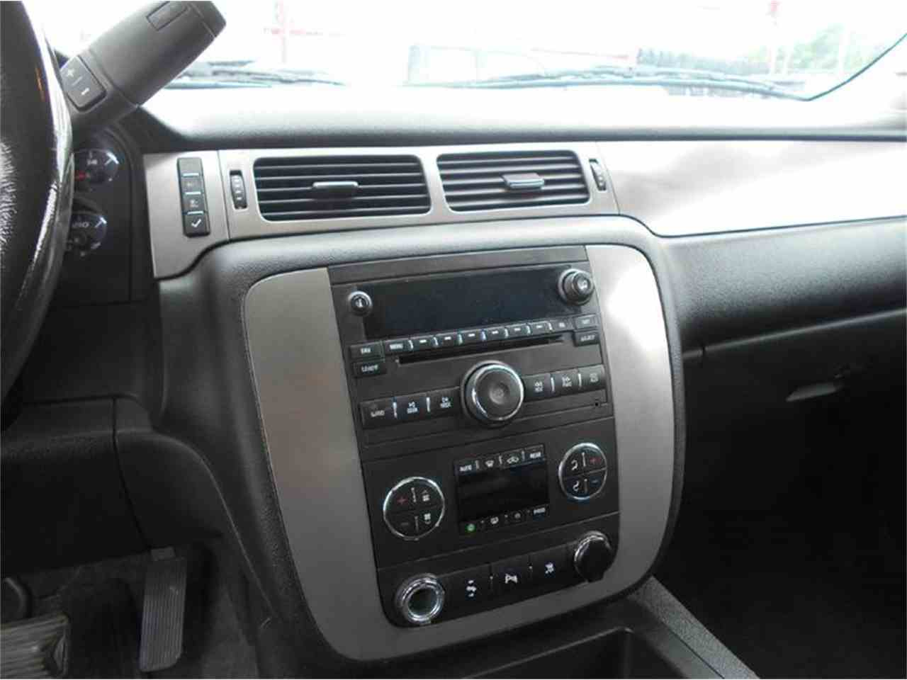 Large Picture of '09 Tahoe - L726