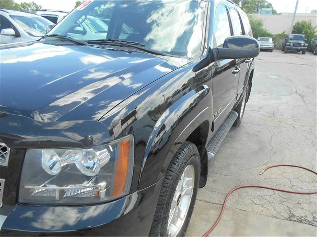 Large Picture of '09 Tahoe - $16,980.00 Offered by All American Auto Mart Inc - L726