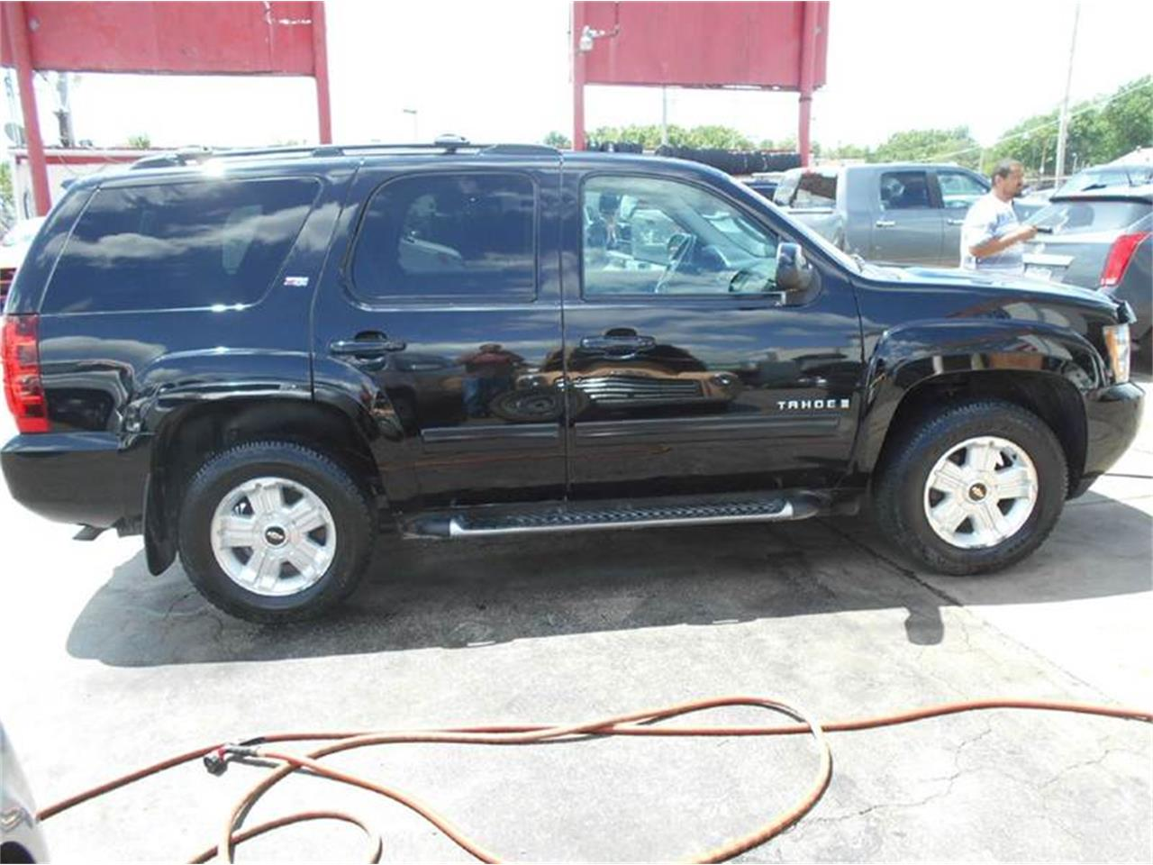 Large Picture of '09 Tahoe located in Kansas - $16,980.00 Offered by All American Auto Mart Inc - L726