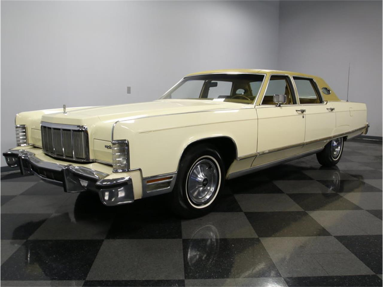 Large Picture of 1976 Lincoln Continental located in North Carolina - $9,995.00 Offered by Streetside Classics - Charlotte - L72Y