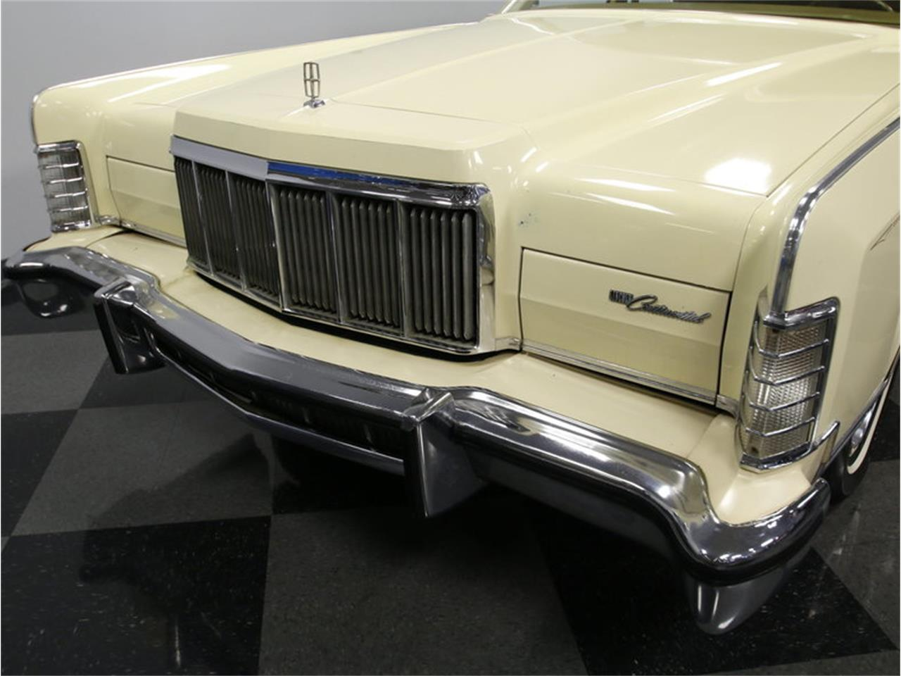 Large Picture of 1976 Lincoln Continental located in North Carolina Offered by Streetside Classics - Charlotte - L72Y
