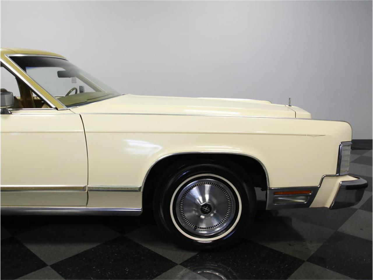 Large Picture of 1976 Continental located in North Carolina - $9,995.00 - L72Y