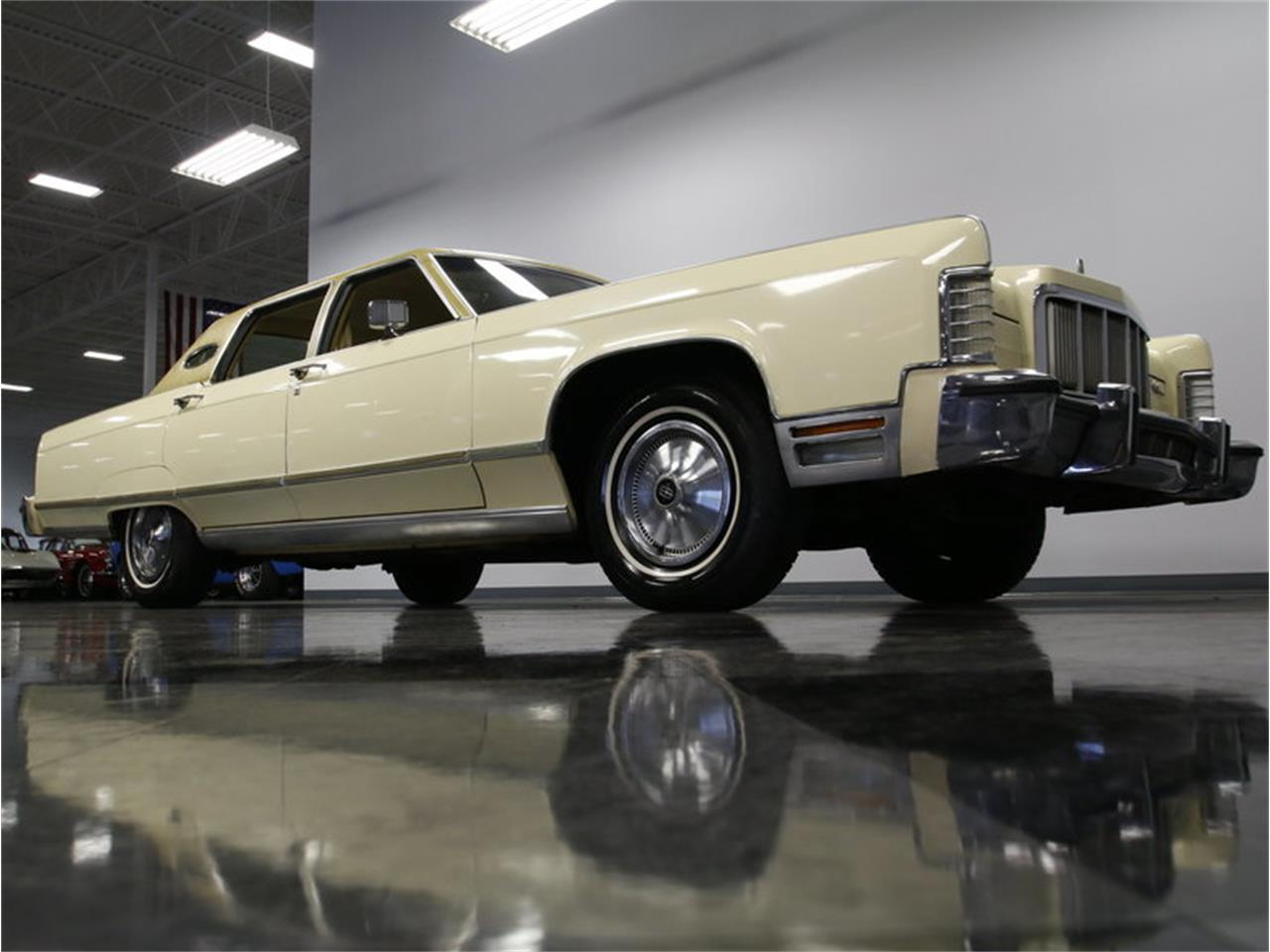 Large Picture of '76 Continental located in North Carolina - L72Y