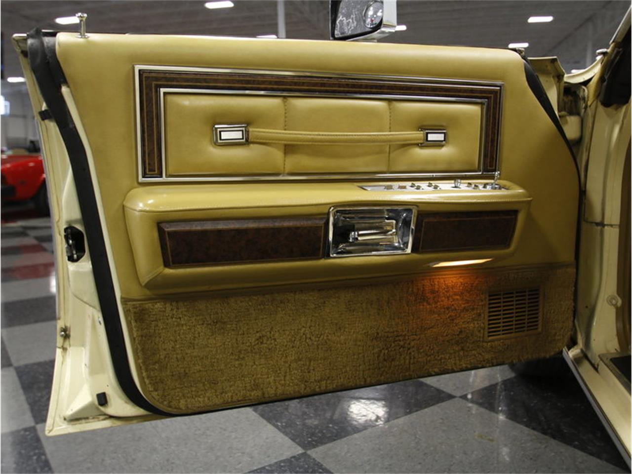 Large Picture of 1976 Continental - $9,995.00 - L72Y