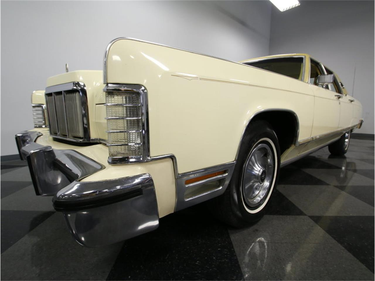 Large Picture of '76 Lincoln Continental located in Concord North Carolina Offered by Streetside Classics - Charlotte - L72Y