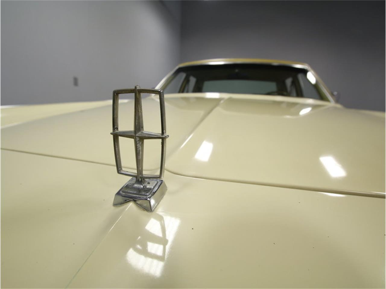 Large Picture of '76 Continental - $9,995.00 - L72Y