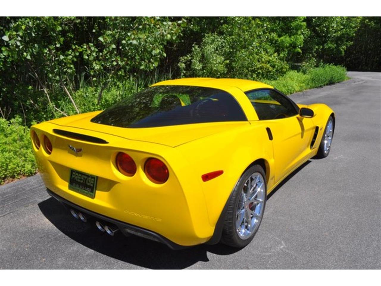 Large Picture of '10 Chevrolet Corvette located in New York - L74B
