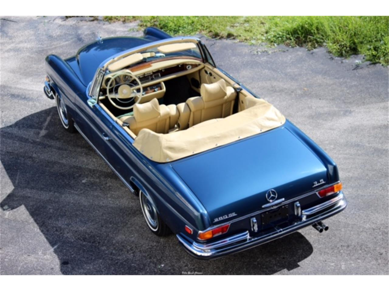Large Picture of '71 Mercedes-Benz 280SE located in palm beach gardens Florida Offered by The Toy Store - L75C