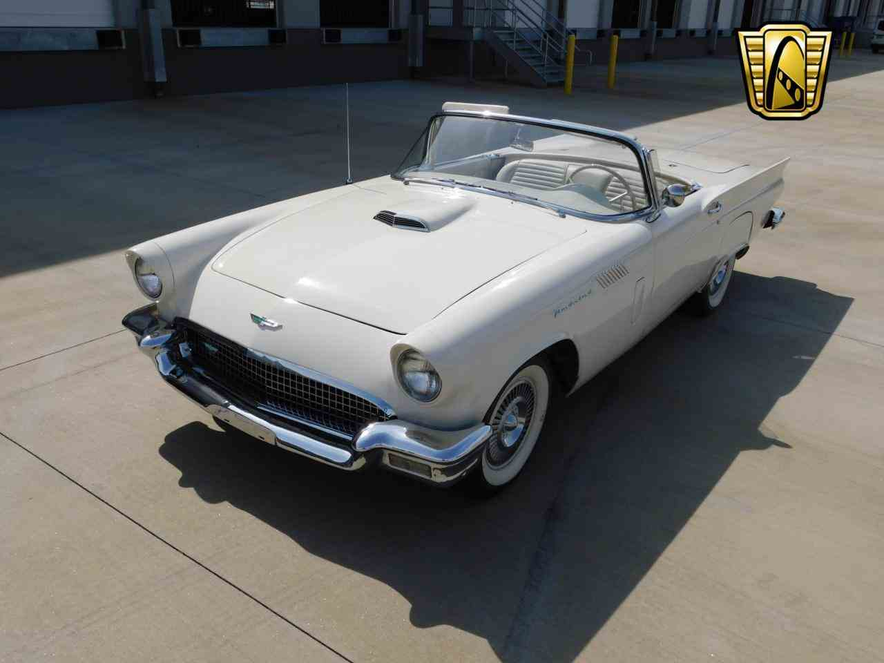 Large Picture of '57 Thunderbird - L77Y