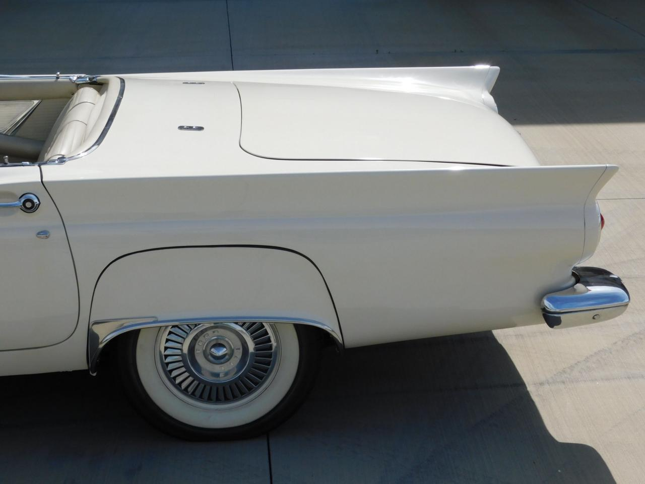 Large Picture of Classic 1957 Thunderbird - $51,000.00 - L77Y
