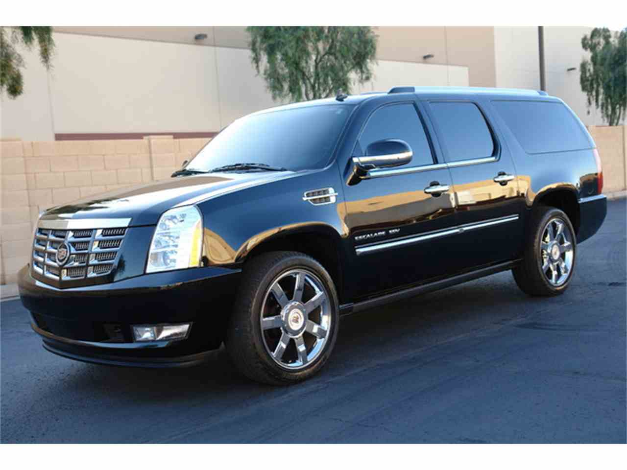 Large Picture of '11 Escalade - L79L
