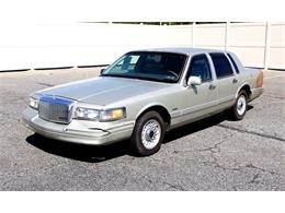 Picture of '97 Town Car - $6,995.00 Offered by Classic Auto Mall - L7BJ