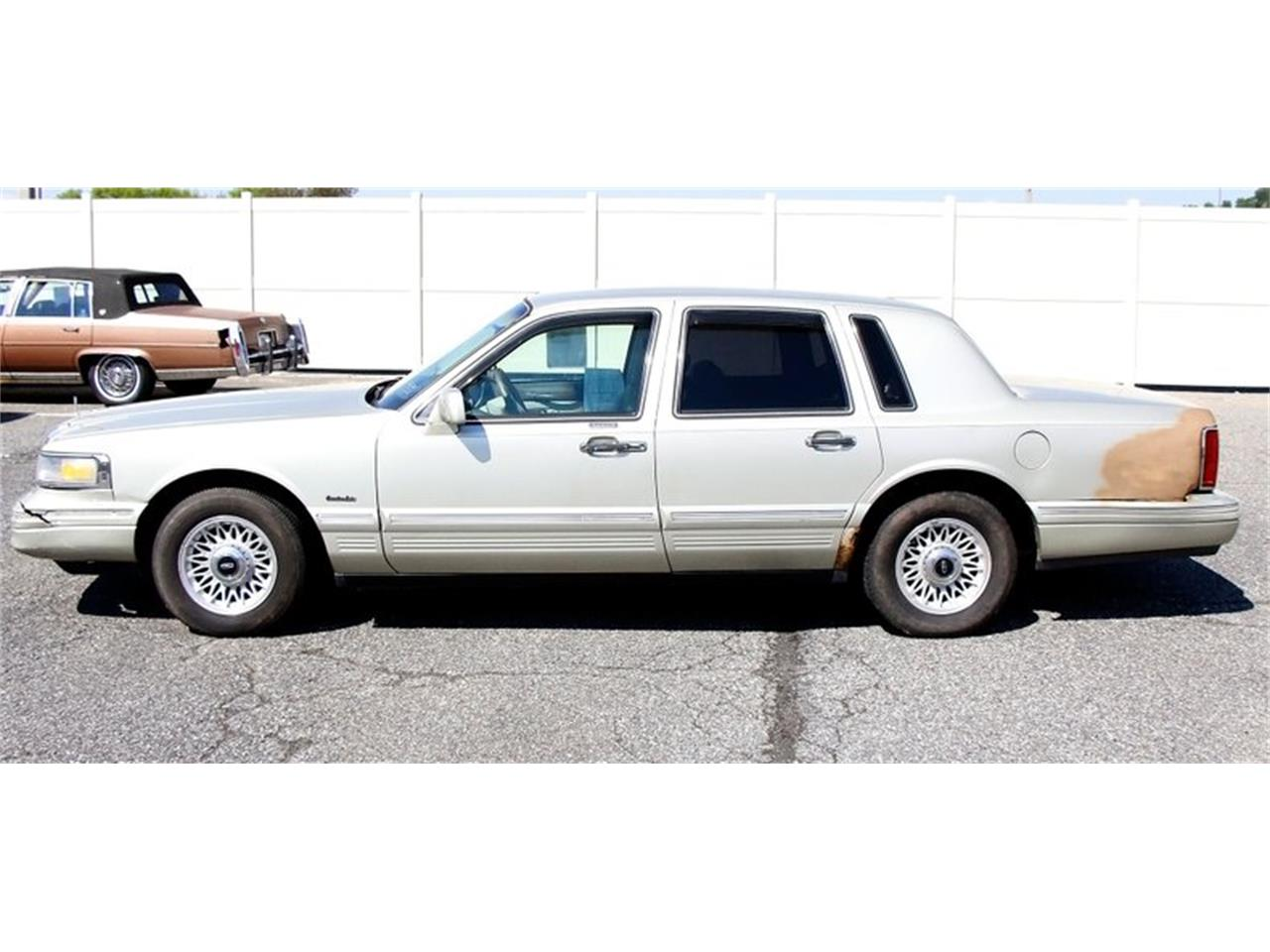 Large Picture of '97 Town Car located in Pennsylvania Offered by Classic Auto Mall - L7BJ