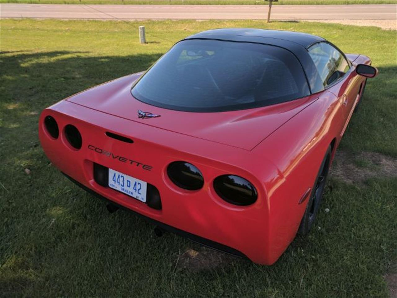 Large Picture of '00 Chevrolet Corvette - $13,900.00 Offered by Classic Car Deals - L7I1