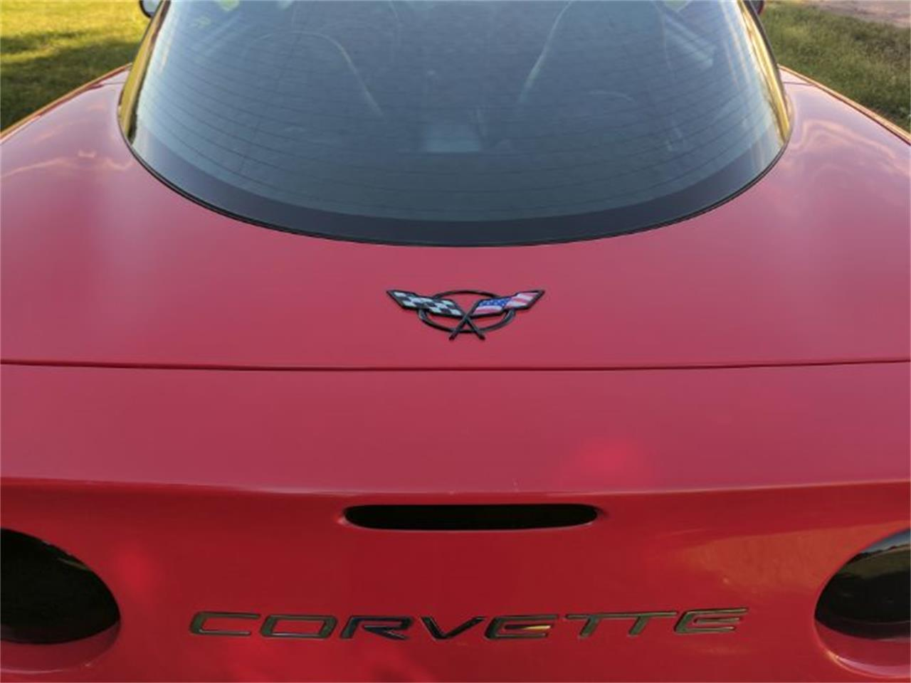 Large Picture of '00 Chevrolet Corvette located in Cadillac Michigan - $13,900.00 - L7I1