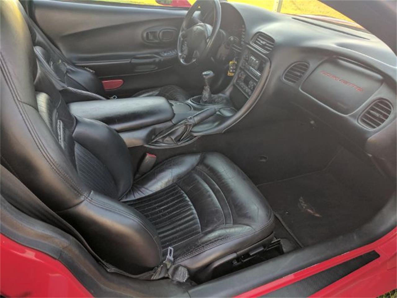 Large Picture of 2000 Chevrolet Corvette located in Michigan - $13,900.00 - L7I1