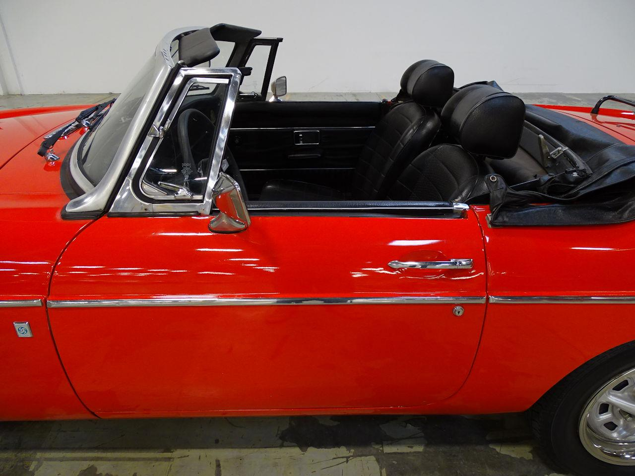Large Picture of 1975 MG MGB - L7N7
