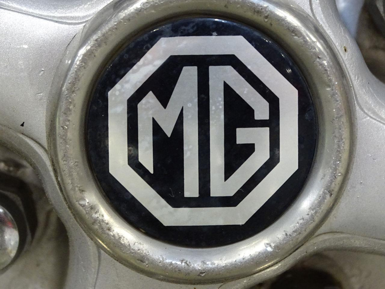 Large Picture of 1975 MG MGB located in West Deptford New Jersey Offered by Gateway Classic Cars - Philadelphia - L7N7