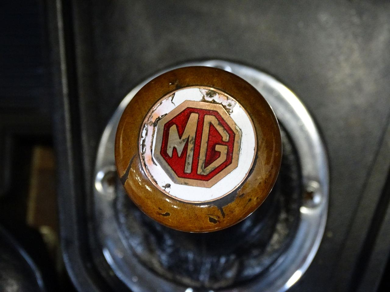 Large Picture of 1975 MGB - $11,595.00 Offered by Gateway Classic Cars - Philadelphia - L7N7