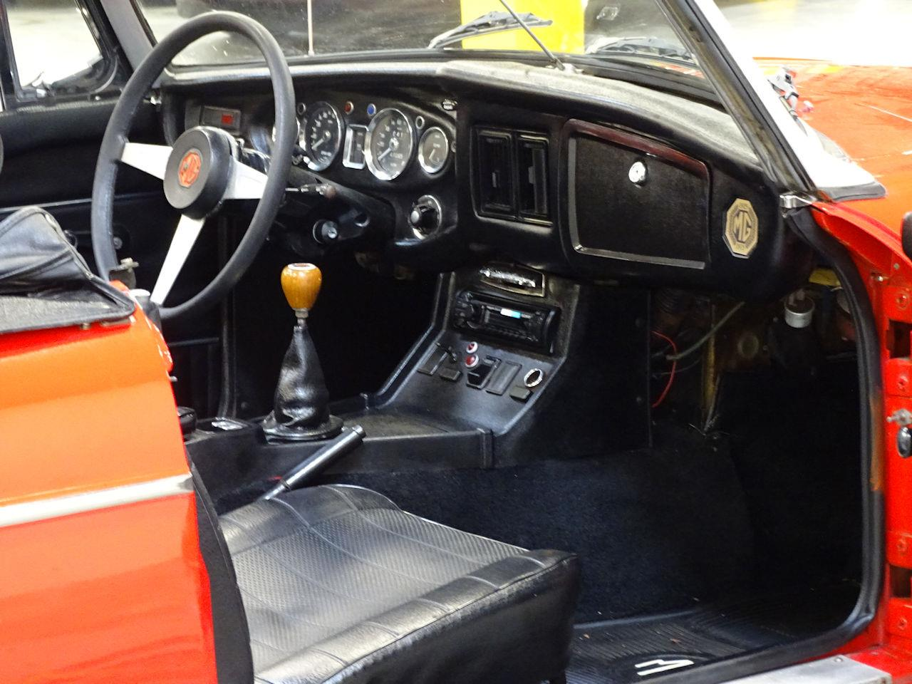 Large Picture of 1975 MG MGB - $11,595.00 - L7N7