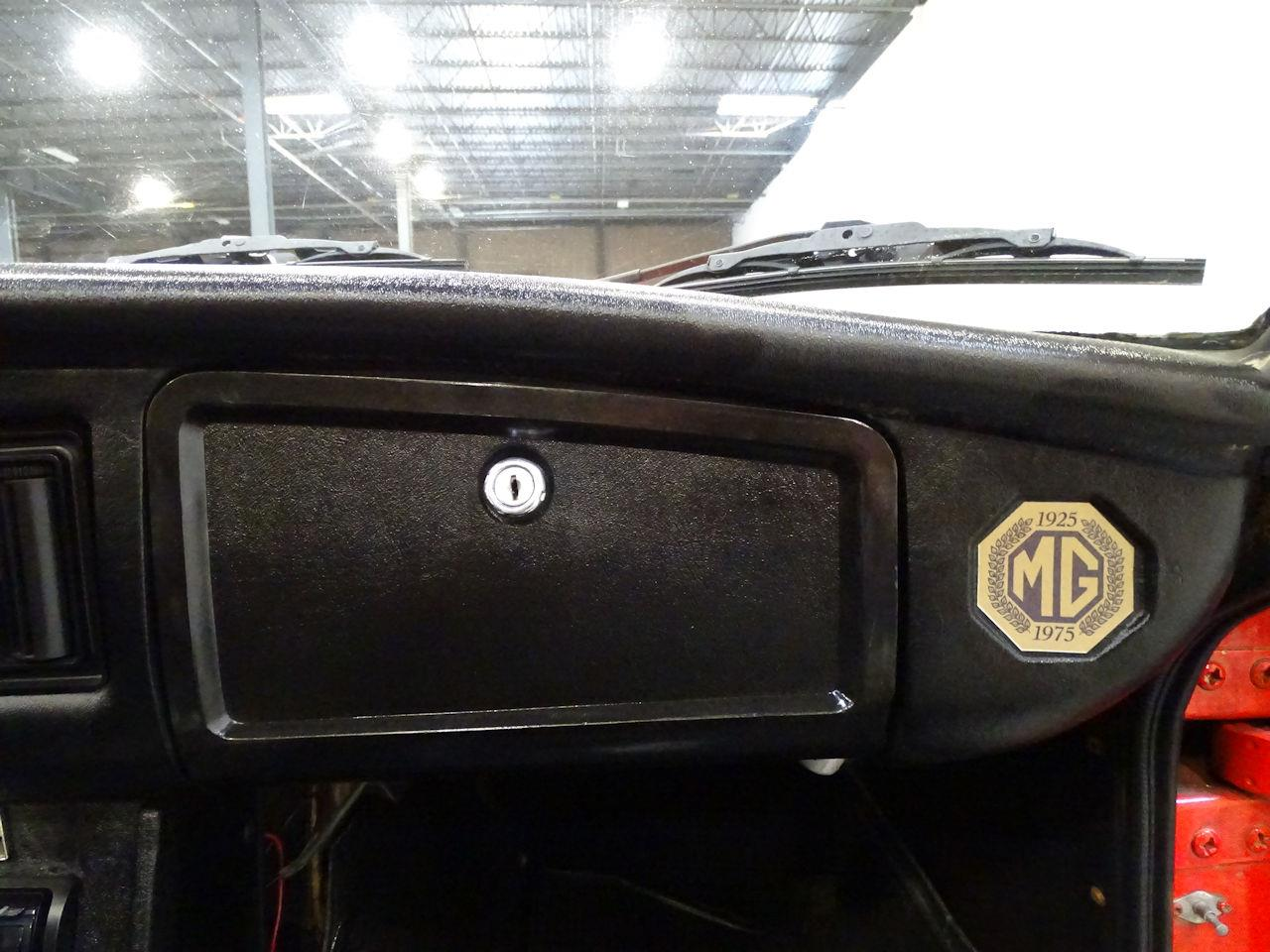 Large Picture of 1975 MG MGB located in West Deptford New Jersey - $11,595.00 Offered by Gateway Classic Cars - Philadelphia - L7N7