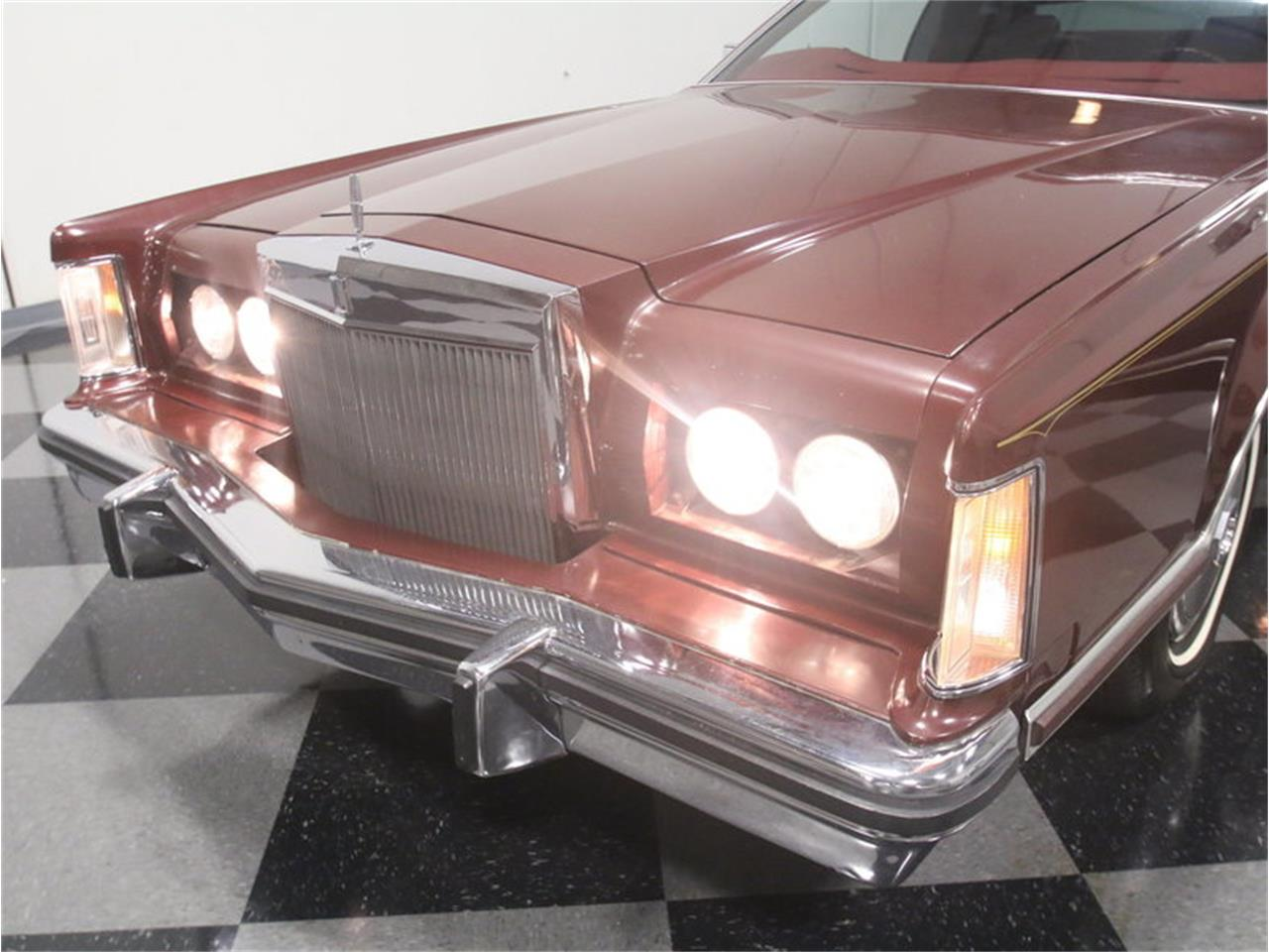 Large Picture of 1977 Continental Mark V located in Georgia - $10,995.00 - L8OM