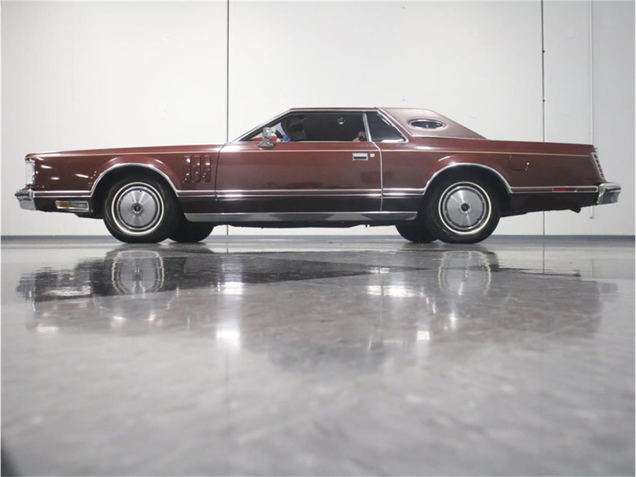 Large Picture of 1977 Lincoln Continental Mark V - L8OM