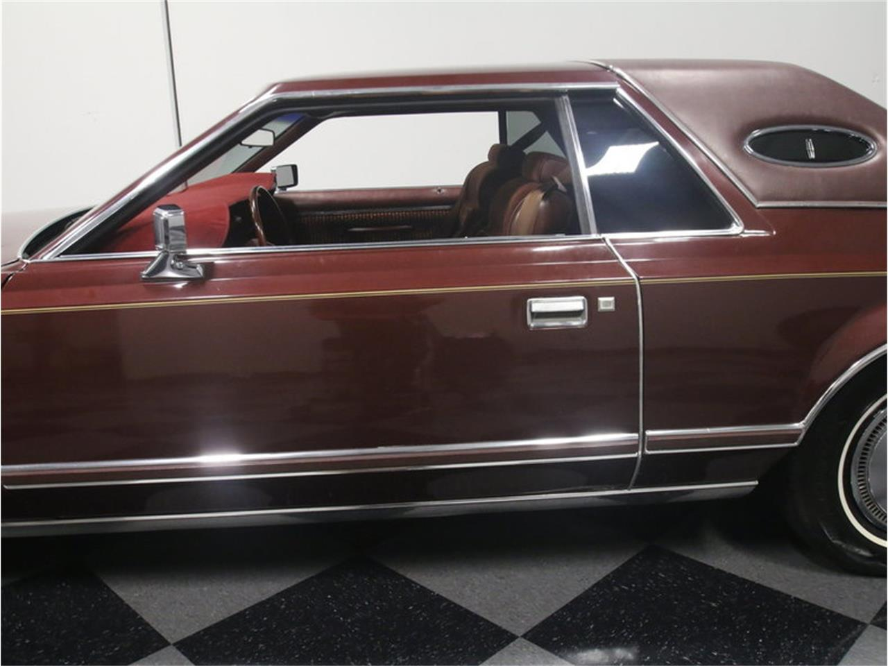Large Picture of '77 Lincoln Continental Mark V Offered by Streetside Classics - Atlanta - L8OM