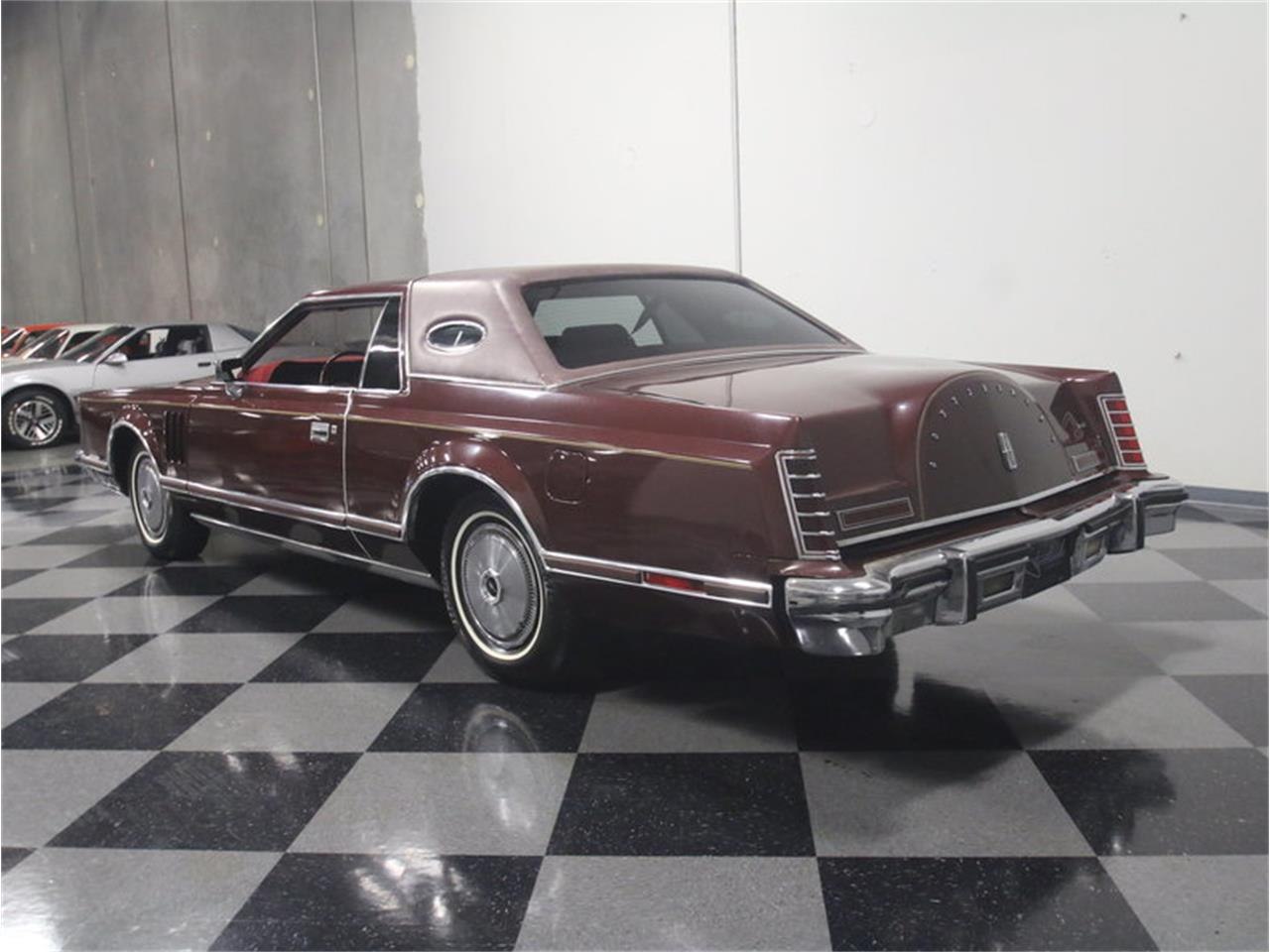 Large Picture of '77 Lincoln Continental Mark V - L8OM