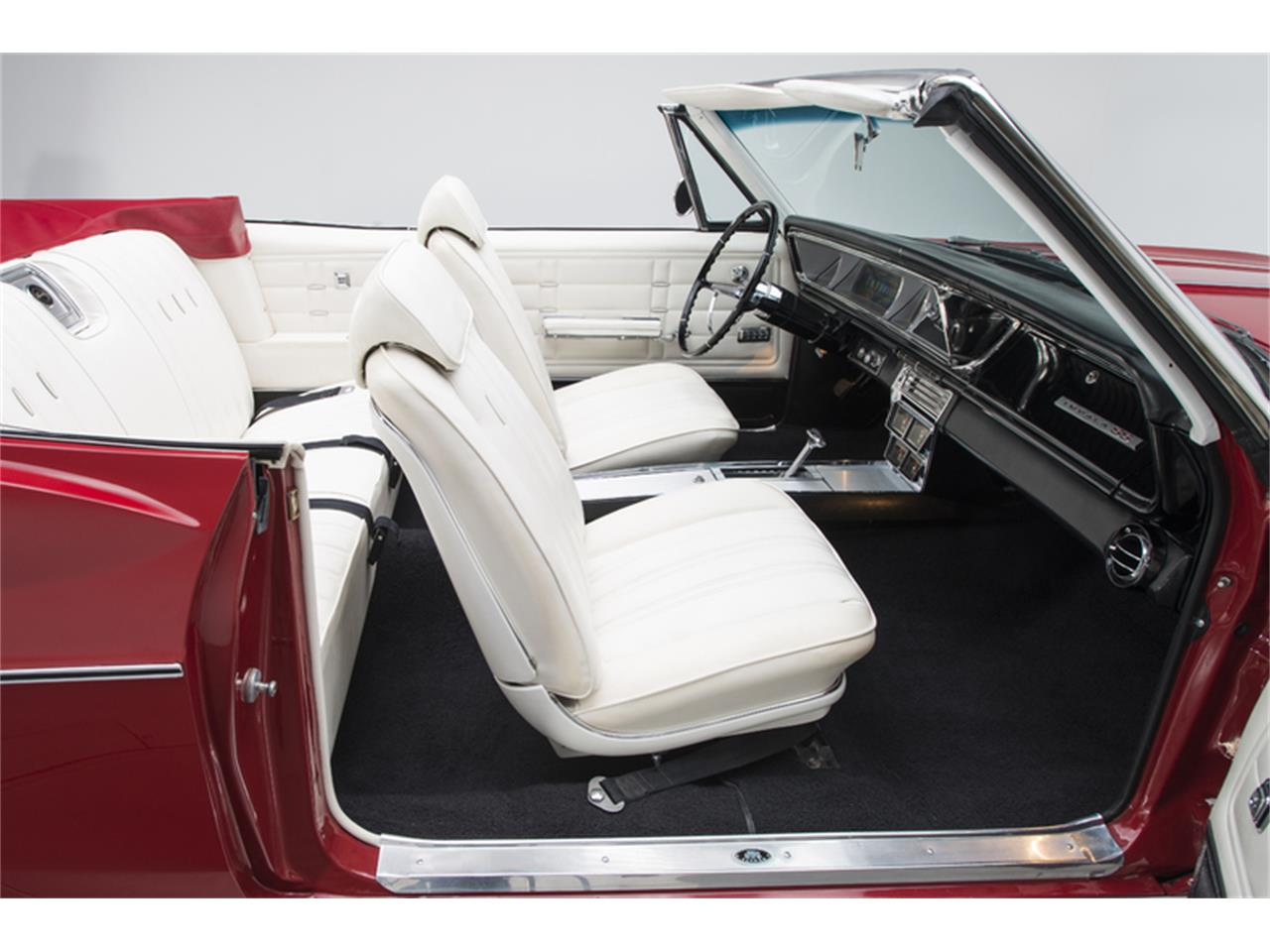 Large Picture of Classic 1966 Chevrolet Impala SS - L8OP