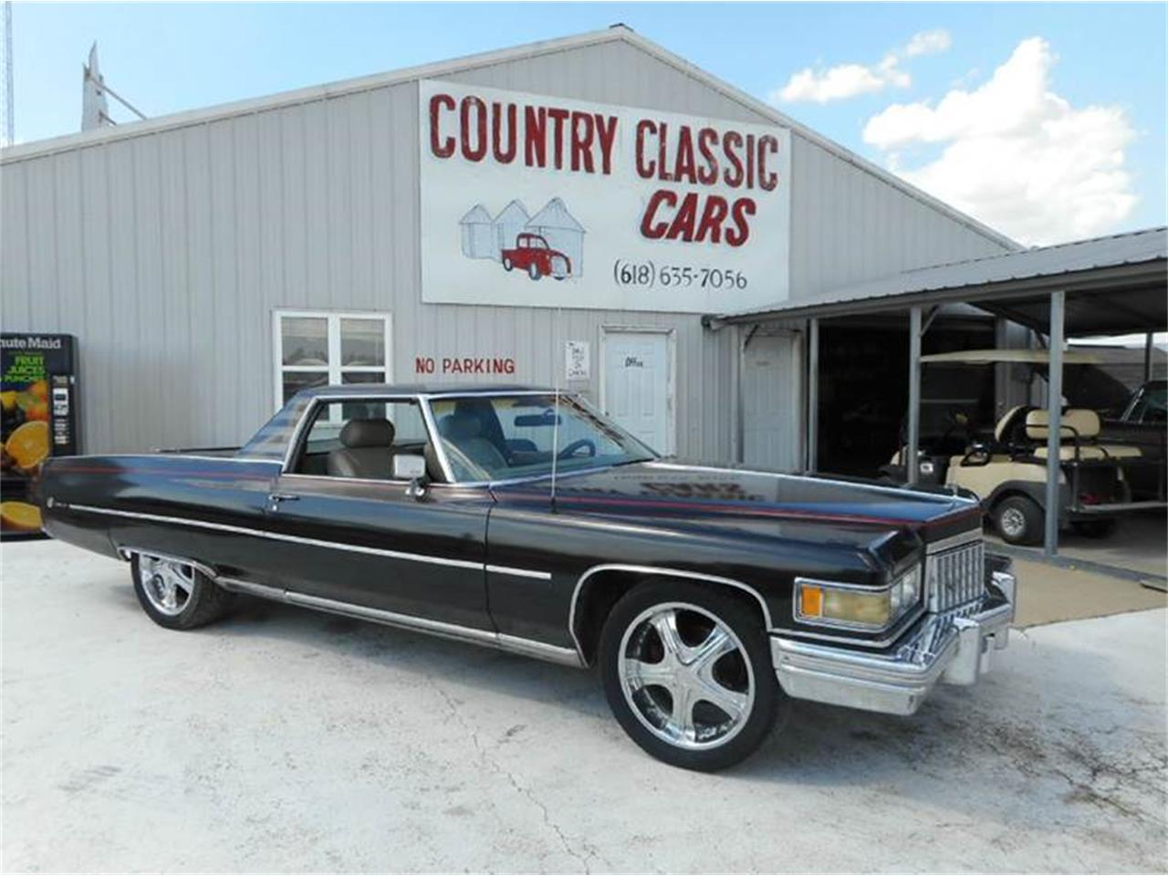 Large Picture of 1976 Cadillac 4-Dr Sedan located in Staunton Illinois Offered by Country Classic Cars - L8QX