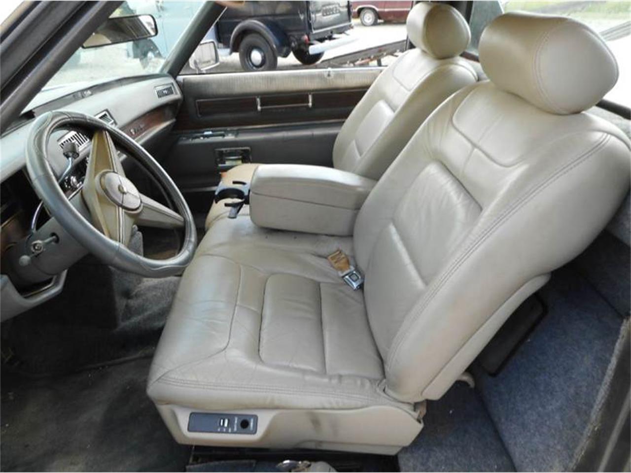 Large Picture of 1976 Cadillac 4-Dr Sedan located in Staunton Illinois - L8QX