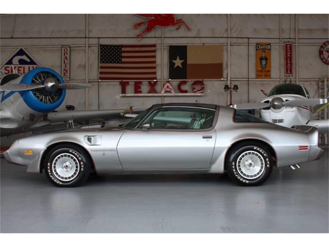 Large Picture of 1979 Firebird Trans Am located in Texas - L8RD