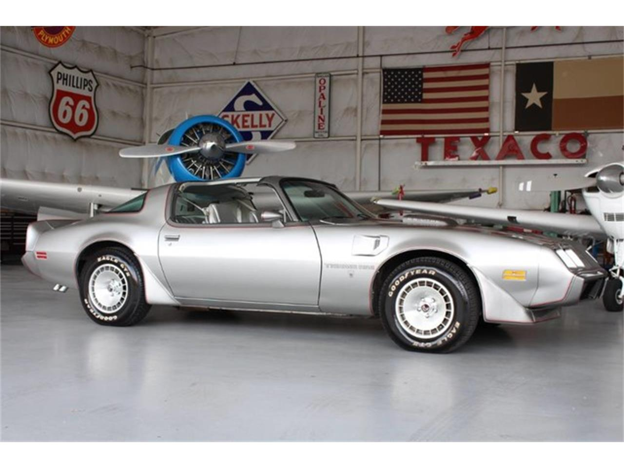 Large Picture of '79 Pontiac Firebird Trans Am located in Texas - L8RD