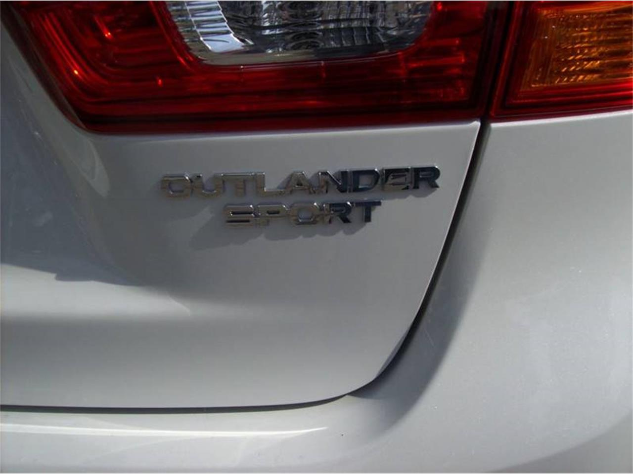 Large Picture of '17 Outlander - L8U9