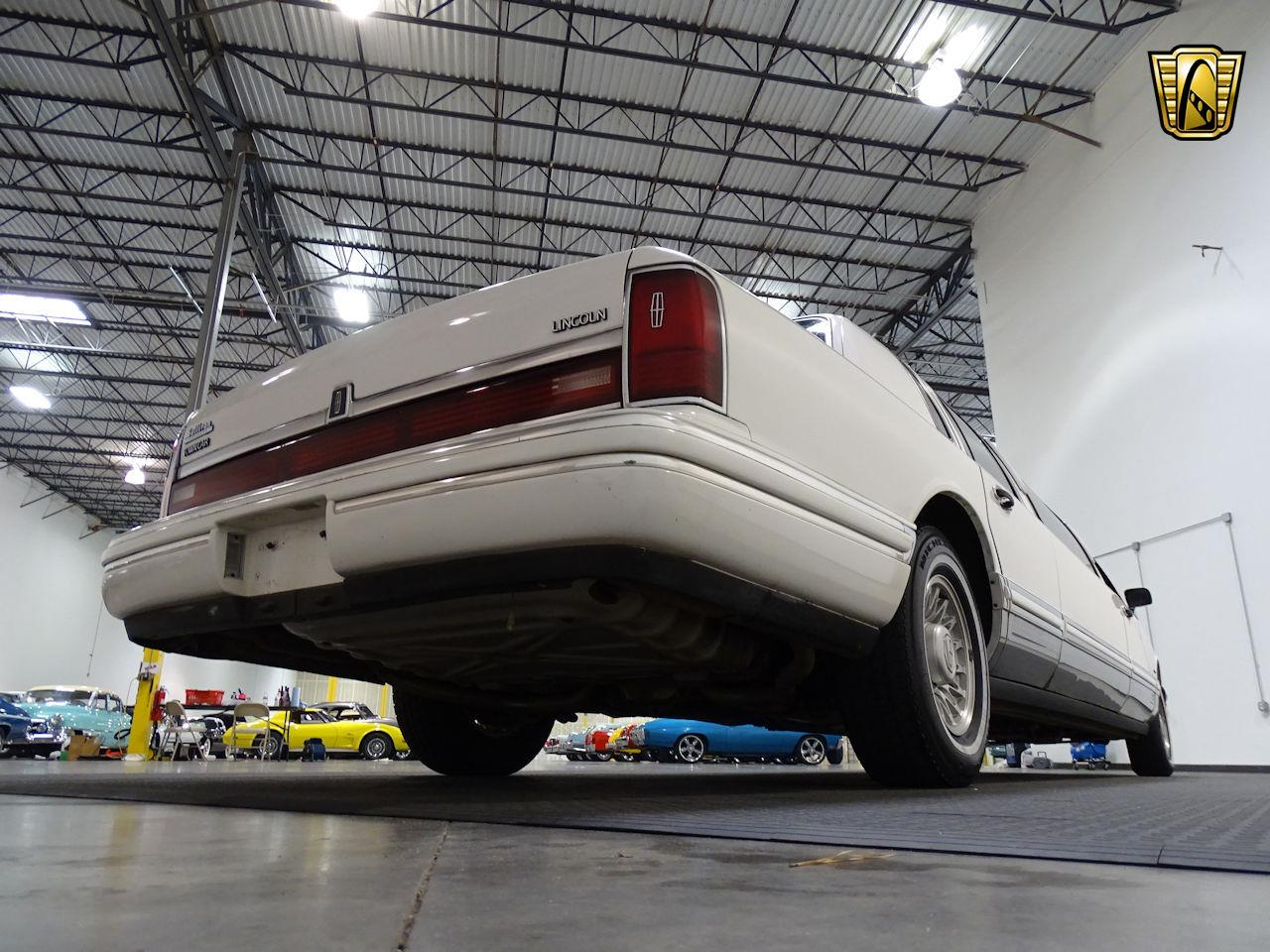 Large Picture of '94 Town Car - L7ZL