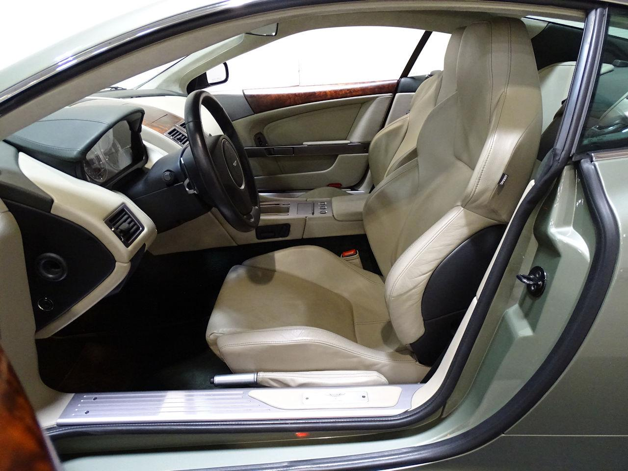 Large Picture of '05 Aston Martin DB9 located in Texas - L7ZM