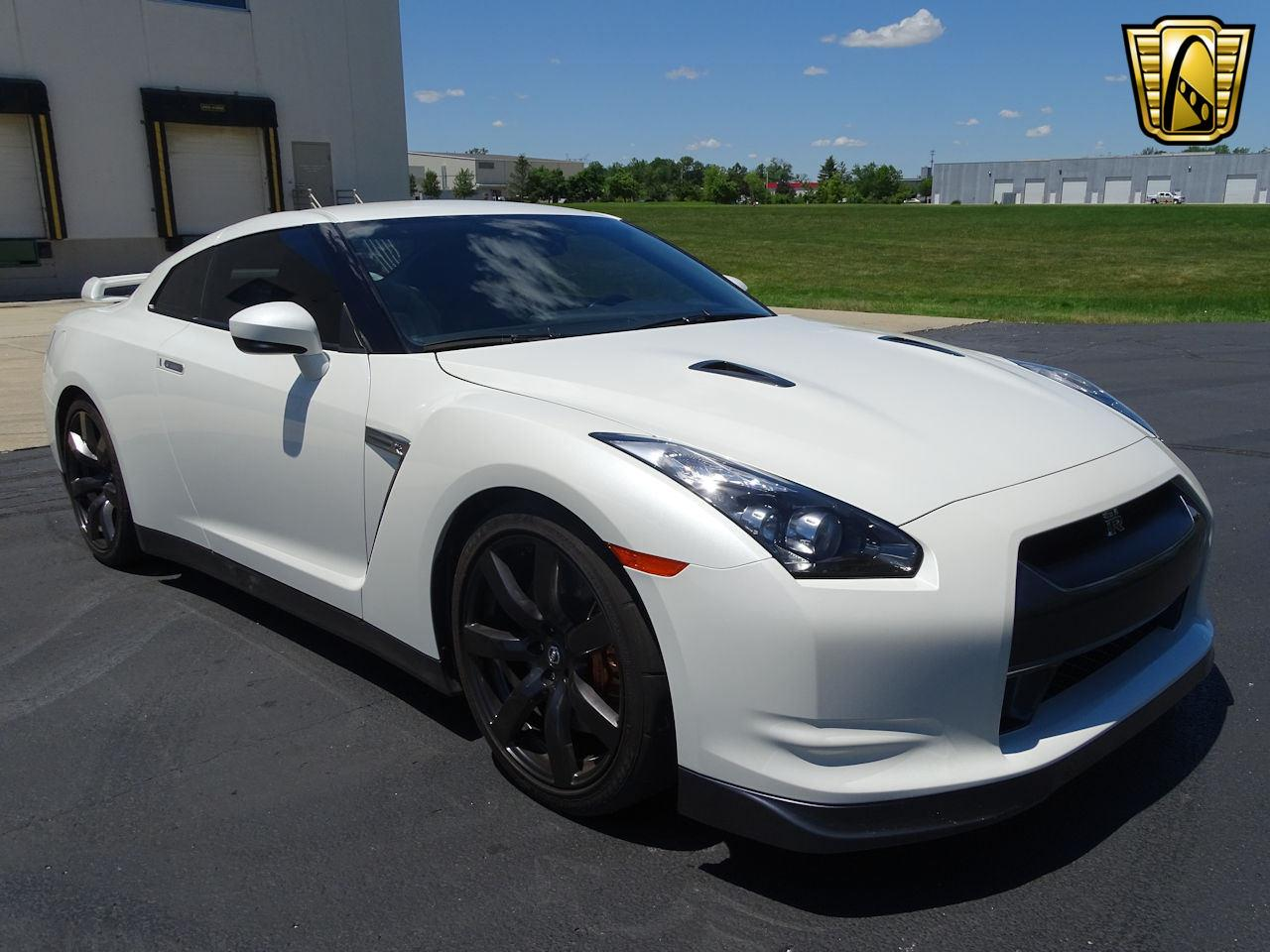Large Picture of 2010 Nissan GT-R located in Indiana - $65,000.00 - L8WR