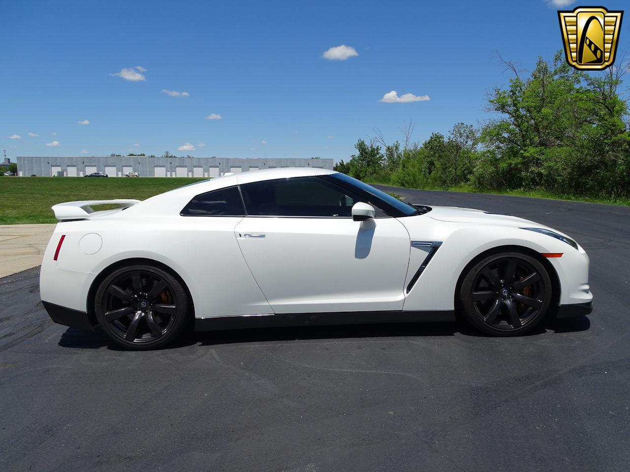 Large Picture of '10 Nissan GT-R - $65,000.00 - L8WR