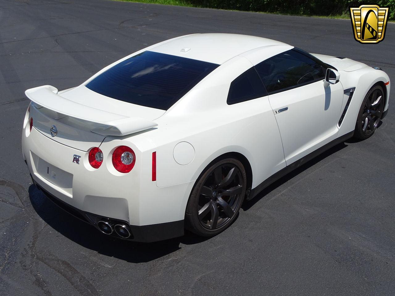 Large Picture of 2010 Nissan GT-R located in Indiana - L8WR