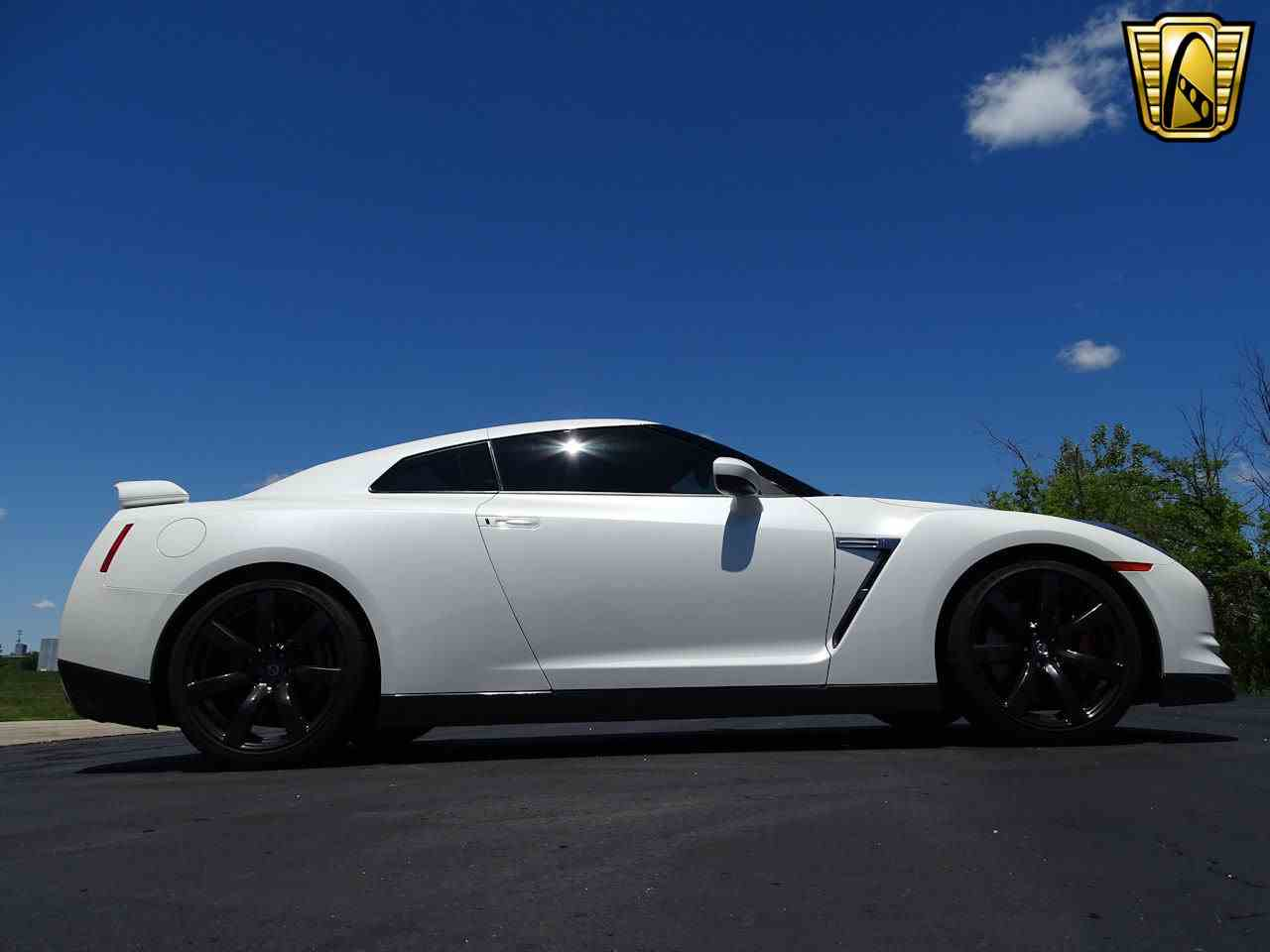 Large Picture of '10 GT-R - L8WR