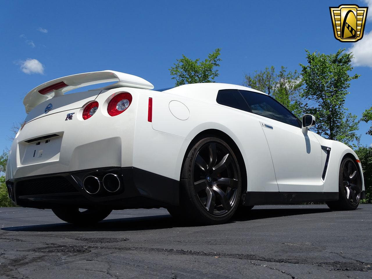 Large Picture of 2010 GT-R located in Indianapolis Indiana Offered by Gateway Classic Cars - Indianapolis - L8WR