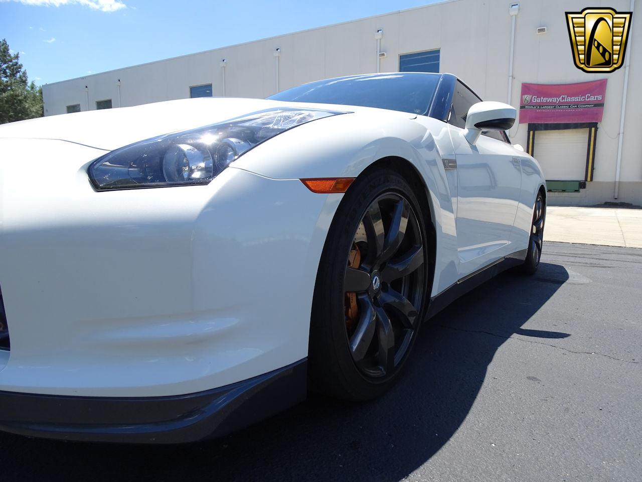 Large Picture of '10 GT-R located in Indiana - L8WR