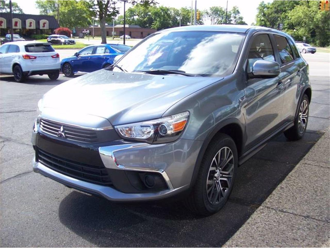 Large Picture of 2017 Mitsubishi Outlander located in Michigan - L8Y5