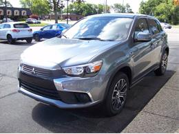 Picture of 2017 Outlander Offered by Verhage Mitsubishi - L8Y5
