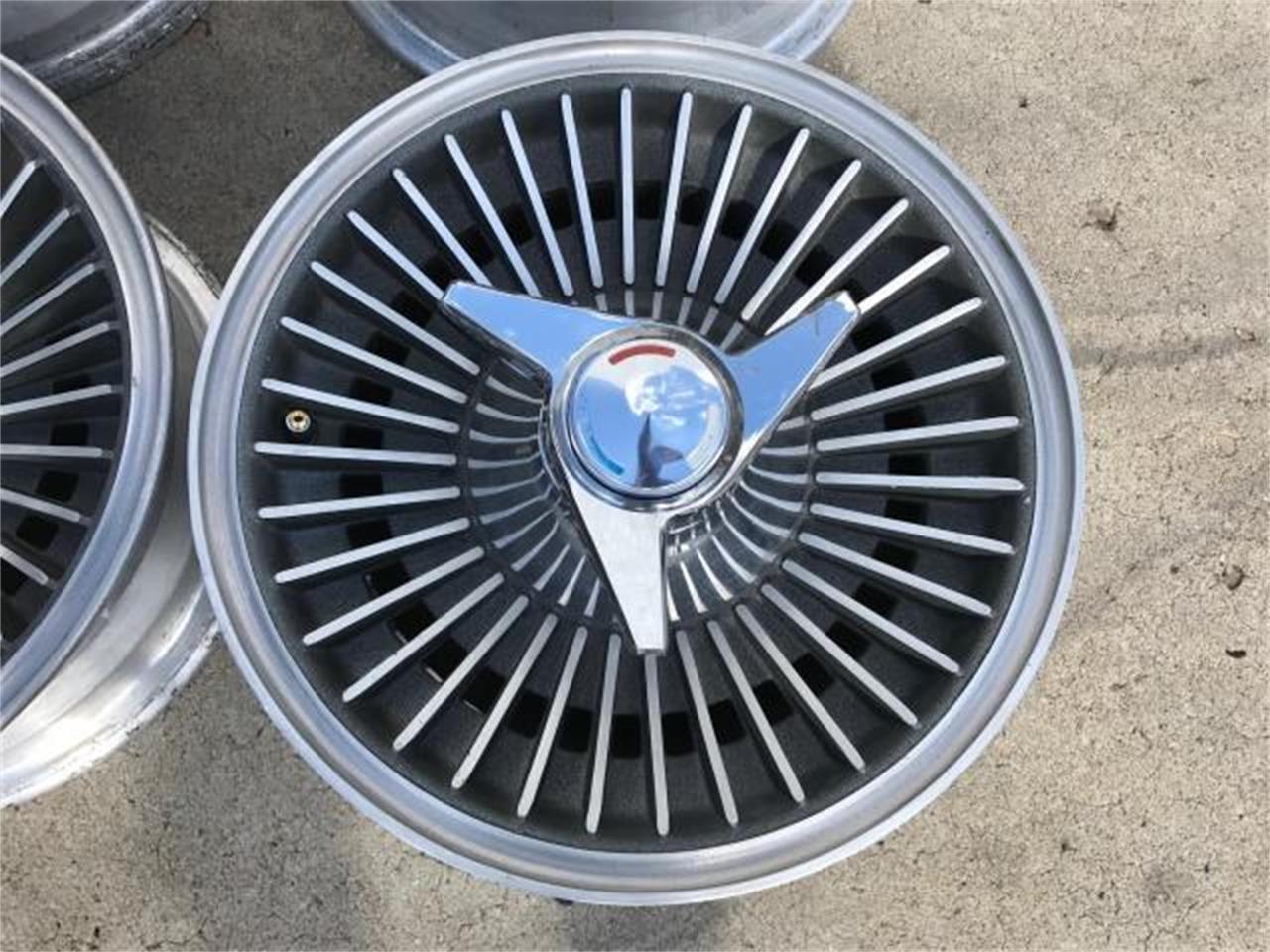 Large Picture of '66 Corvette - L8Y8