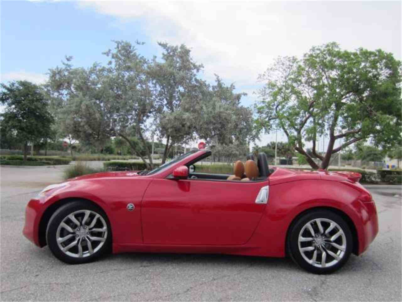 Large Picture of '11 370ZRoadster - L8YB