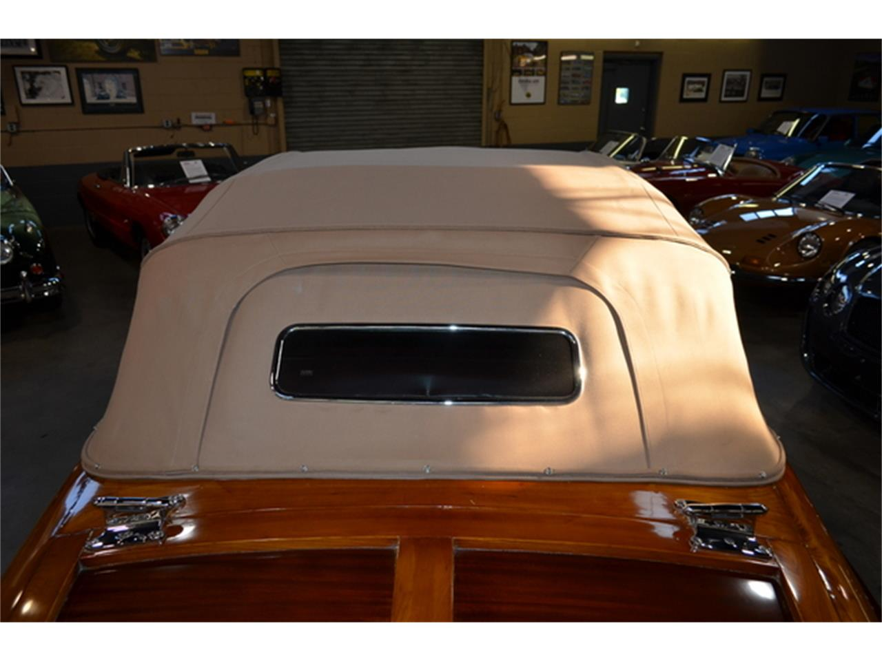 Large Picture of '46 Town & Country Convertible - L90N
